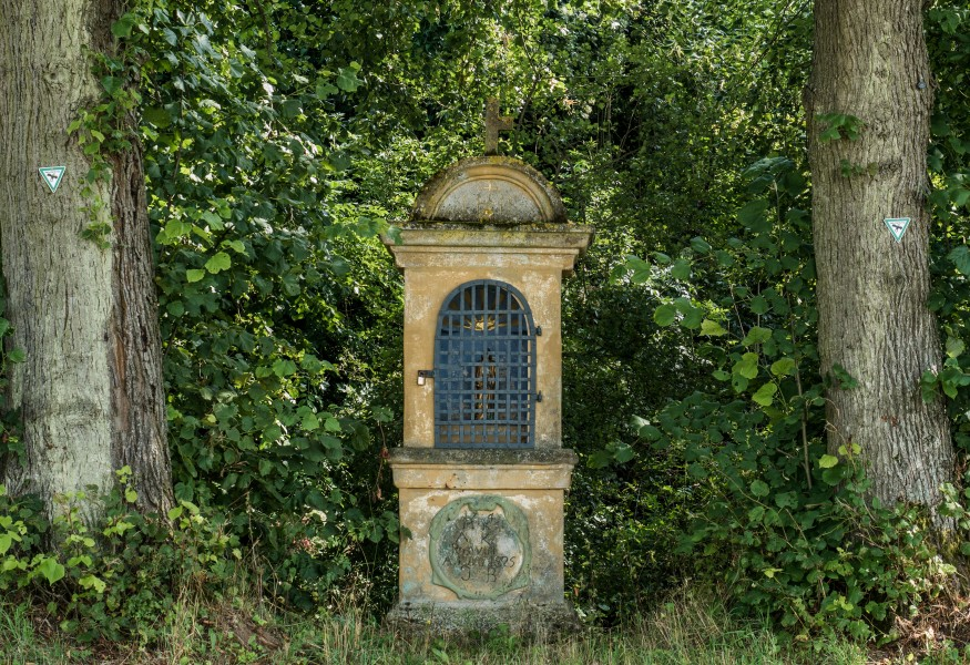 Kleukheim-wayside-shrine-8155746