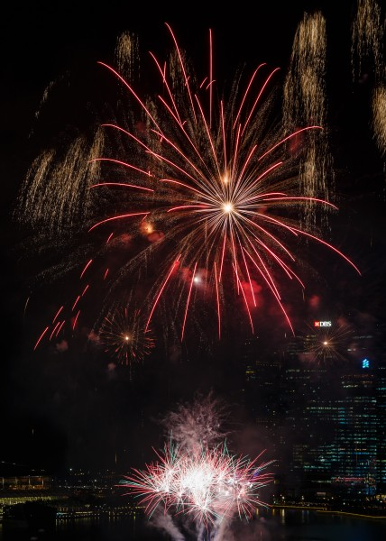 Marina-Bay Singapore Firework-launching-CNY-2015-07