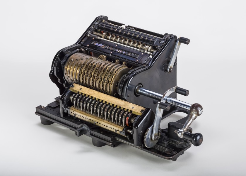 Mechanical-calculator-Brunsviga-15-02