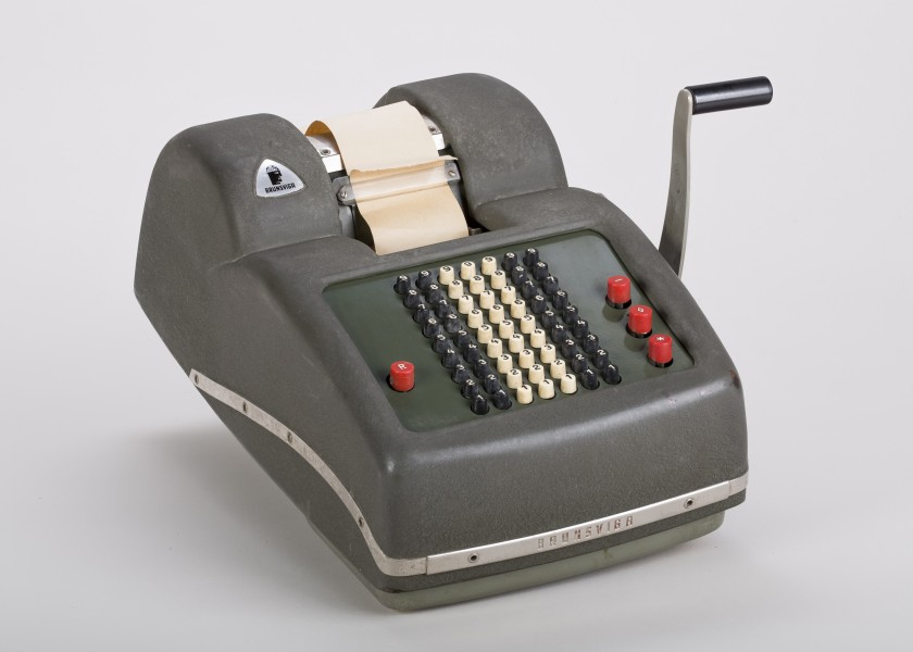 Mechanical-calculator-Brunsviga-800-01
