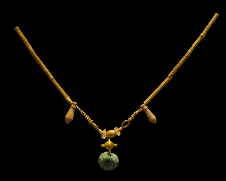 Minoan gold necklace archmus Heraklion
