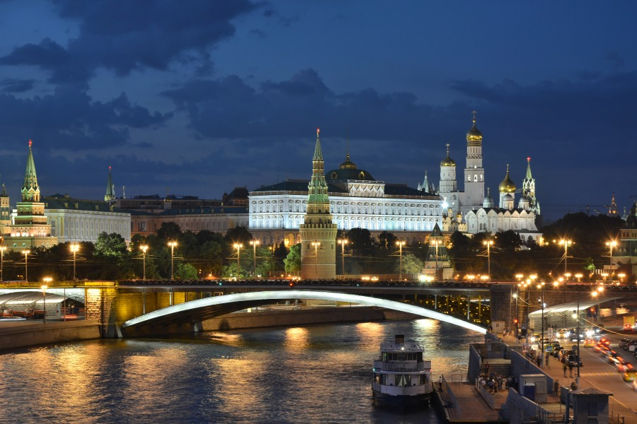 Moscow Kremlin and Bolshoy Kamenny Bridge late evening 01