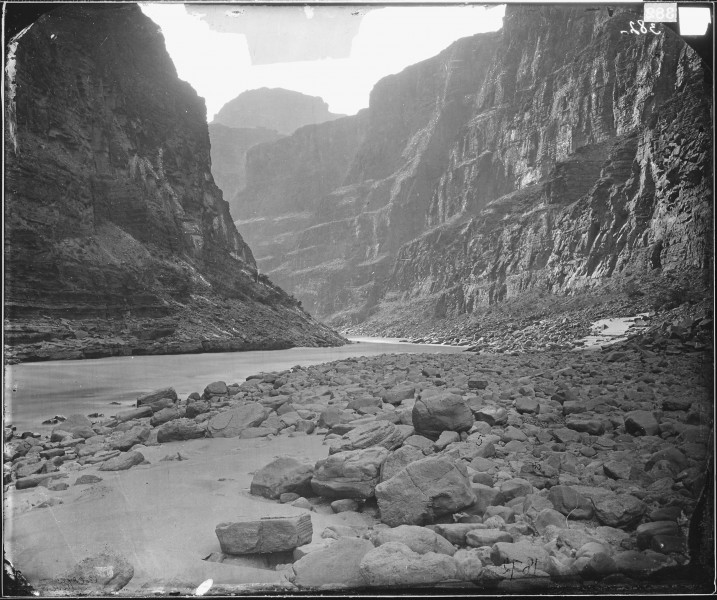 MOUTH OF KANAB WASH, LOOKING WEST, COLORADO RIVER - NARA - 524333
