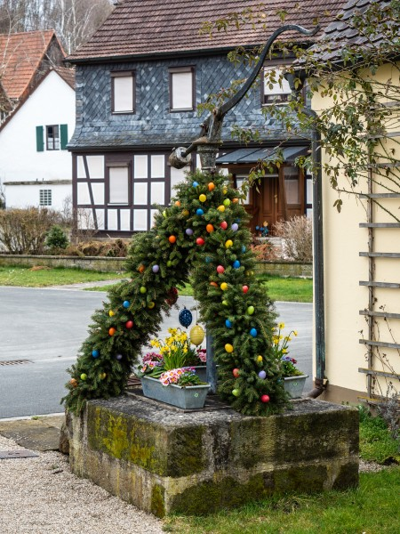 Nedensdorf-easter-fountain-3279945
