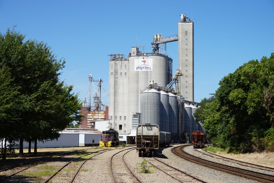 Pittsburg August 2015 10 (Pilgrim's Pride feed mill)