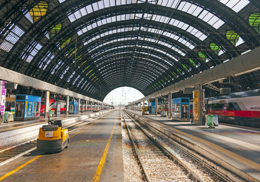 Platforms at Milano Centrale Stazione central trainshed