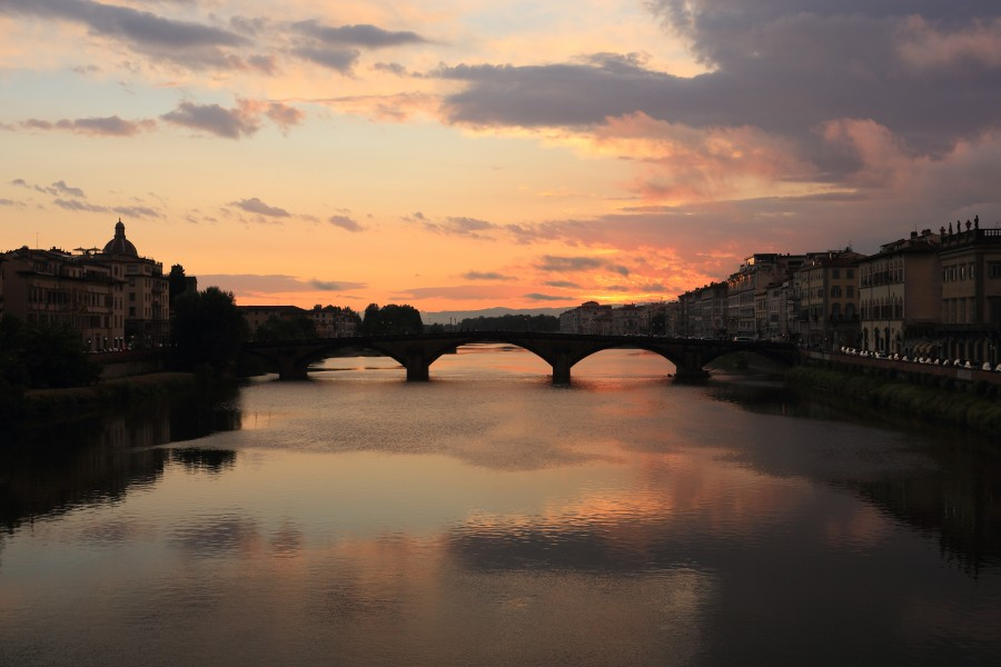 Ponte alla Carraia at dusk