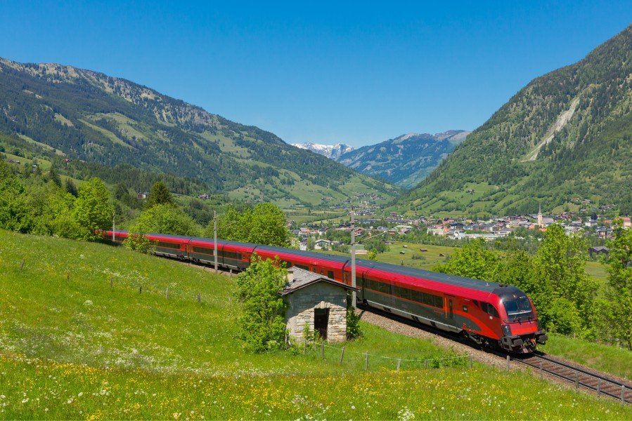 Railjet 793 bei Bad Hofgastein