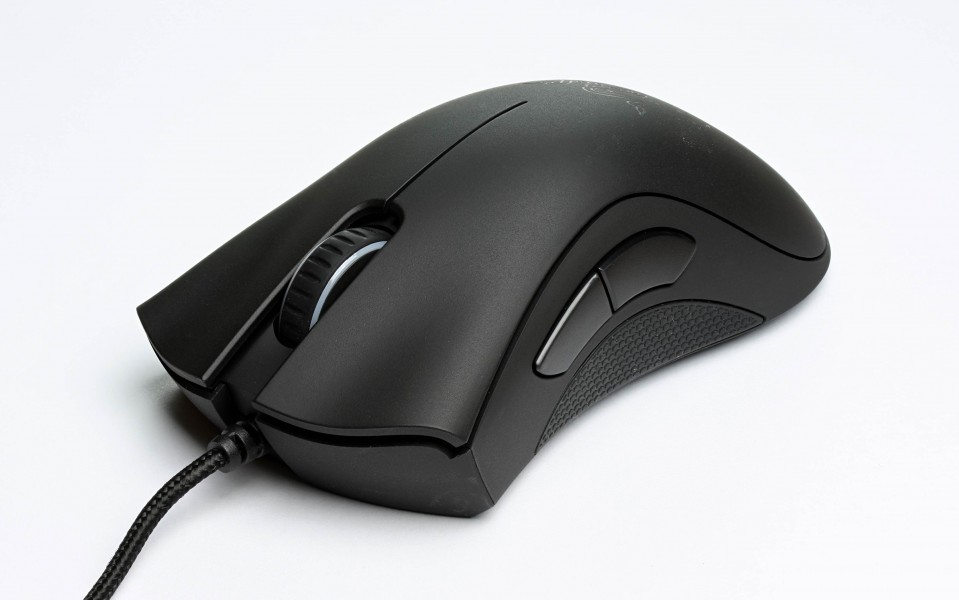 Razer DeathAdder 2013 Edition-front oblique-ar 16to10-fs PNr°0400