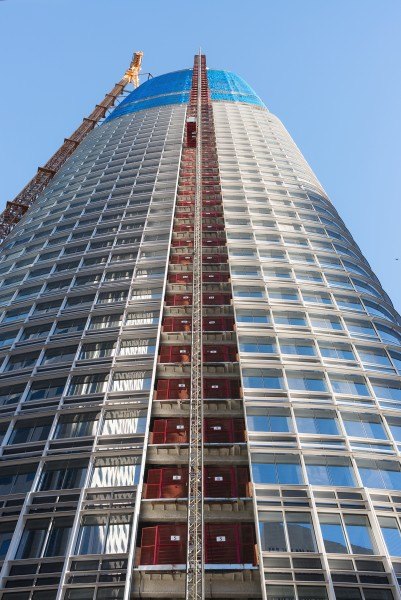 Salesforce Tower during construction, January 2017