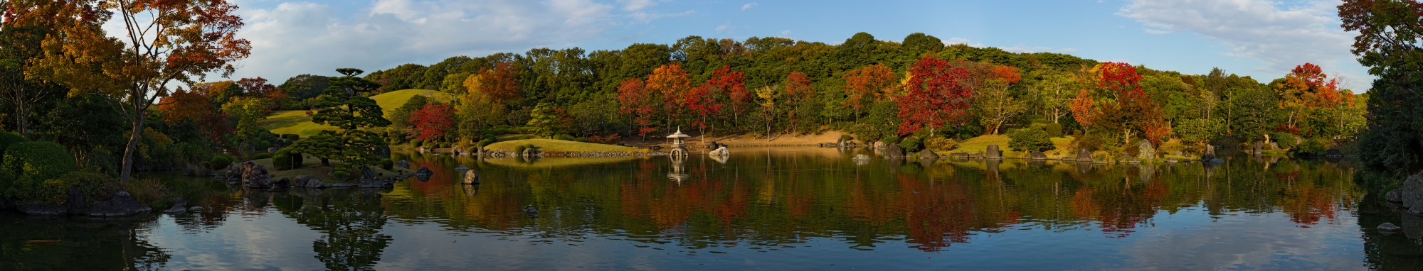 Scenery of Shinji pond at Expo'70 Commemorative Park, November 2015, Osaka II
