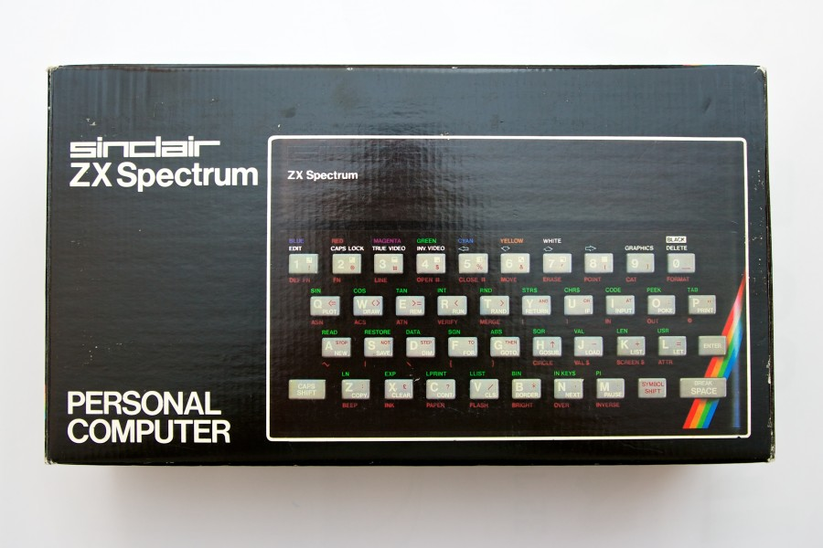 Sinclair ZX Spectrum 48k box (7160165788)