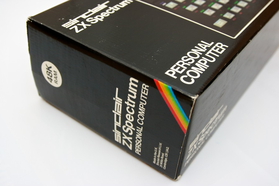 Sinclair ZX Spectrum 48k box (7160167722)