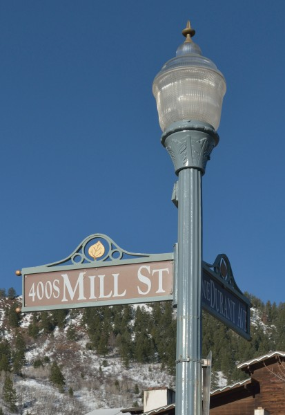 Street lamp and street sign Aspen Mill Street Durant Av
