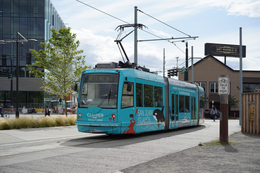 Streetcar 301 in South Lake Union, Seattle