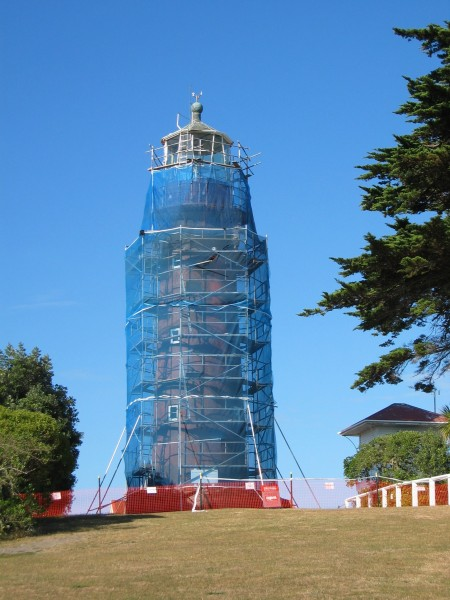 Tiritiri lighthouse - repainting Mar 2007