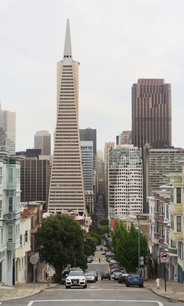 Transamerica Pyramid as seen from Telegraph Hill in 2016
