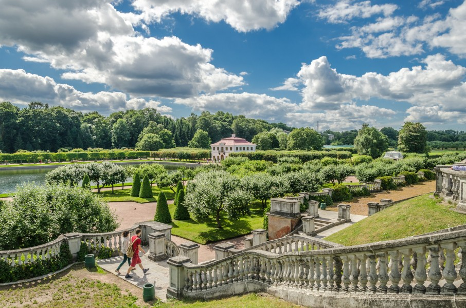 Venera garden in the Lower Park of Peterhof