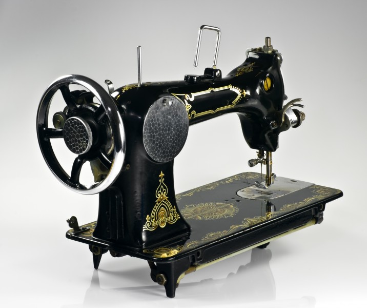 Vesta sewing machine IMGP0748
