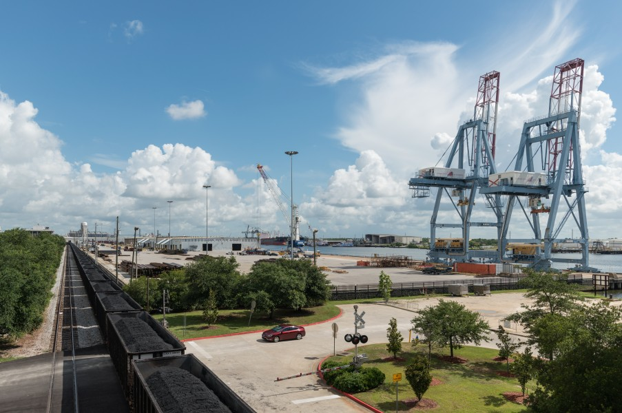 View of Port of Mobile from Convention Center 20160712 1