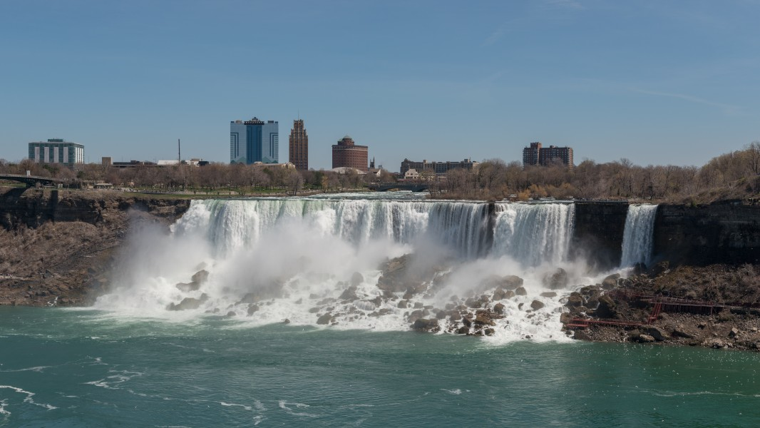 West view of the American Falls as seen from Ontario 20170418 1