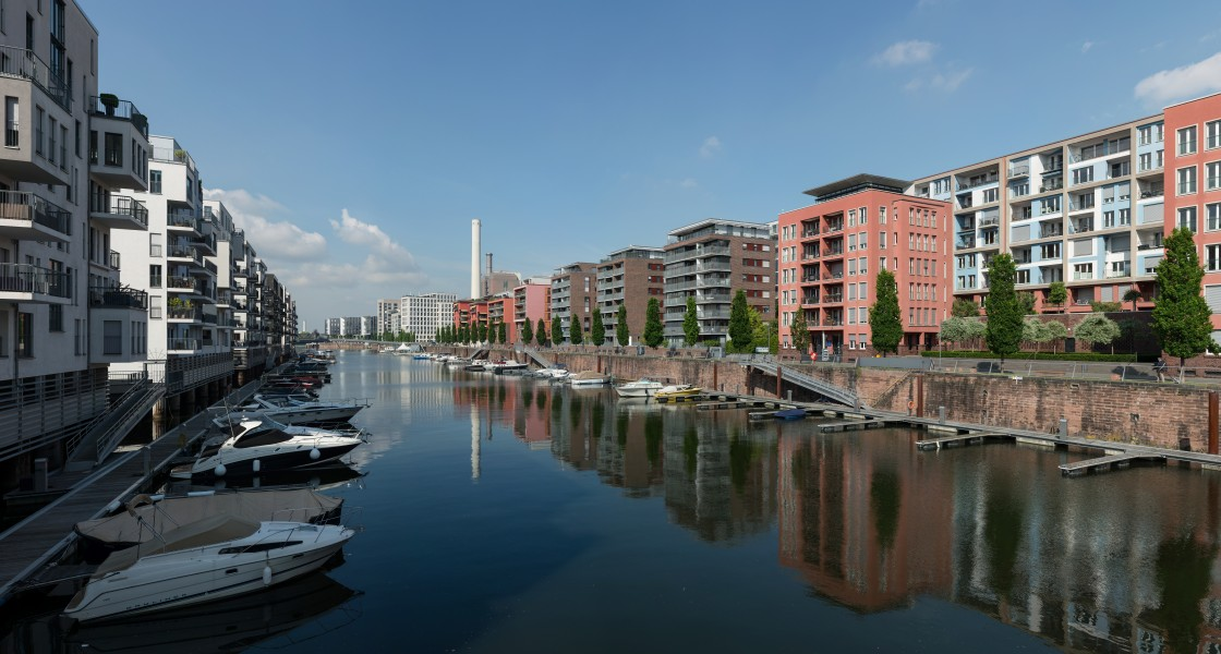 Westhafen, Frankfurt, Harbor basin as seen from Westhafenbrücke 20170515 1