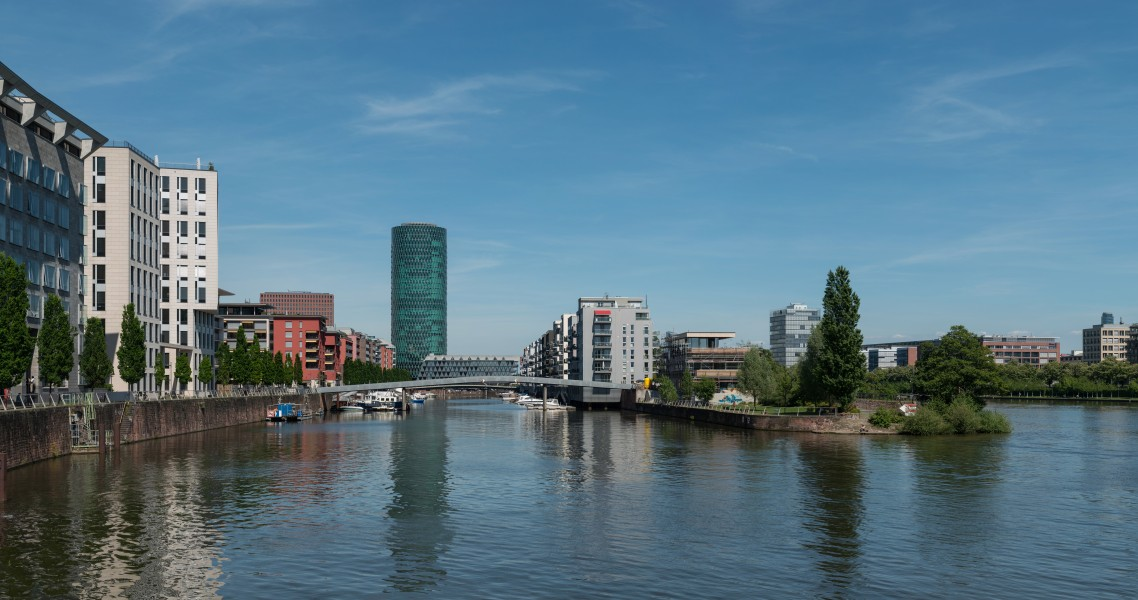 Westhafen, Frankfurt, West view from Rotfeder-Ring 20170516 1