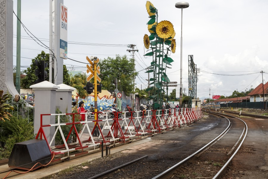 Yogyakarta Indonesia Level-crossing-at-Tugu-Railway-Station-01
