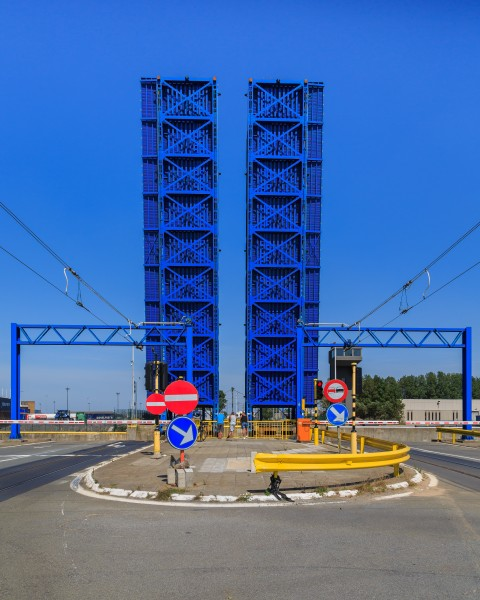 Zeebrugge Belgium Lifting-bridge-at-Pierre-Vandamme-Lock-01