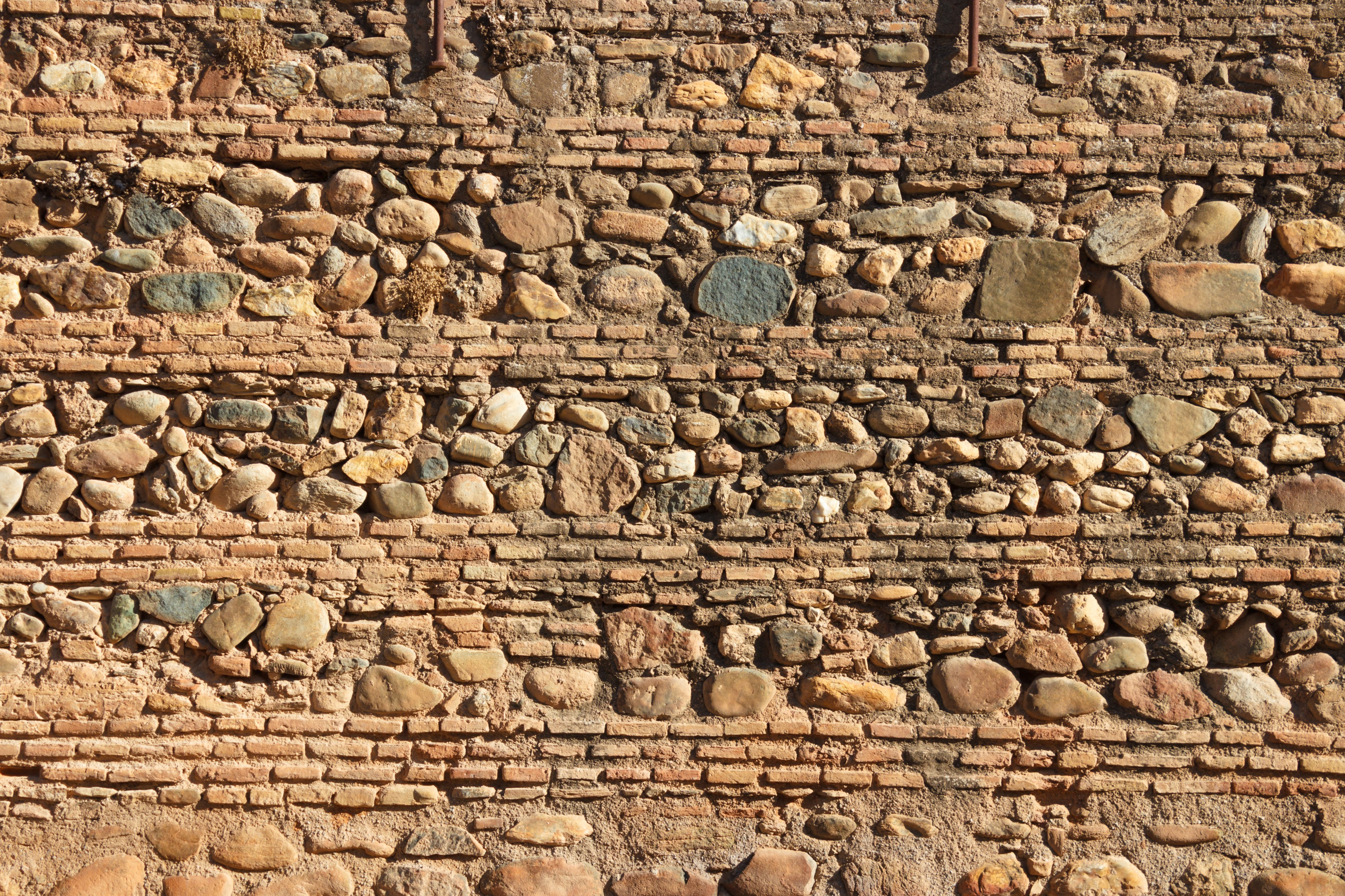 Detail of wall inside Alcazaba in the Alhambra 2014-08-06