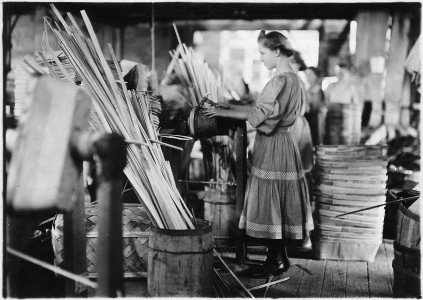 A basket factory. Girls making melon baskets. Evansville, Ind. - NARA - 523099