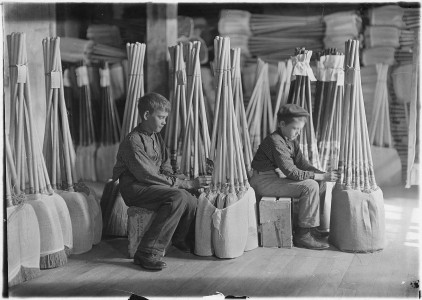 Boys in packing room, Brown Mfg. Co. Evansville, Ind. - NARA - 523097