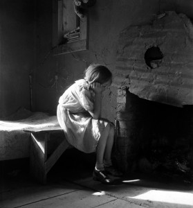 Dorothea Lange, Resettled farm child, New Mexico, 1935