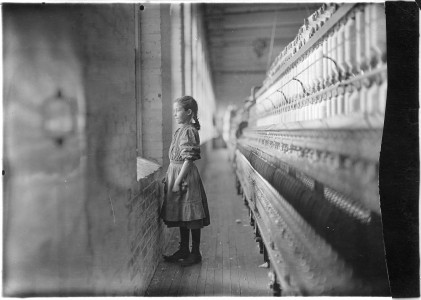 Rhodes Mfg. Co. Spinner. A moments glimpse of the outer world. Said she was 11 years old. Been working over a year.... - NARA - 523106