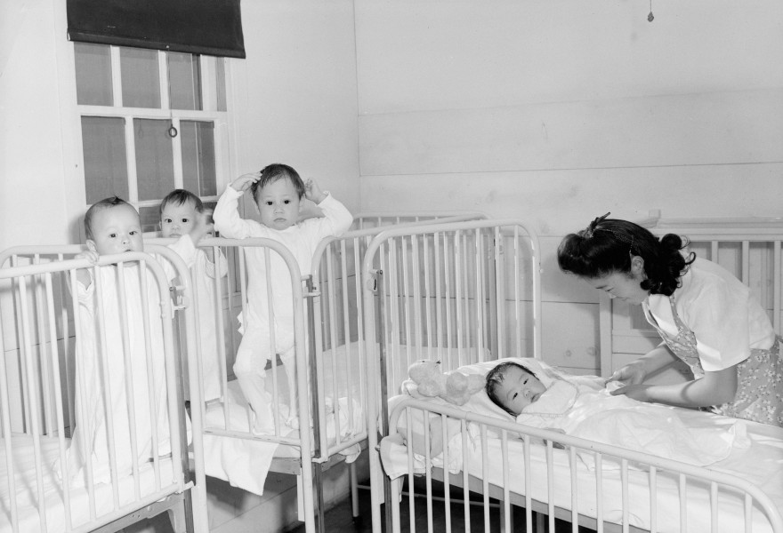 Ansel Adams Manzanar - Nursery, orphan infants - LC-DIG-ppprs-00170