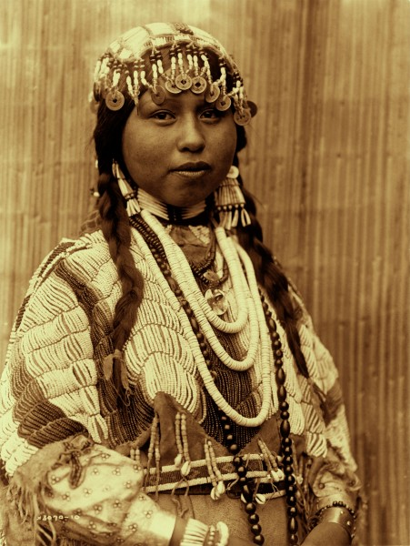 Edward S. Curtis, Wishham bride, Oregon, 1910