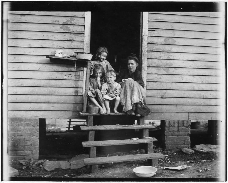 George Cross's home and some of the family. Sanitation below the average. Spartenburg, S.C. - NARA - 523542