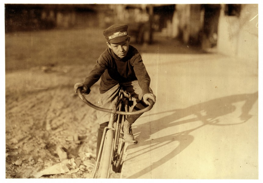 Lewis Hine, Curtin Hines, 14 years old, Western Union messenger, Houston, Texas, 1913