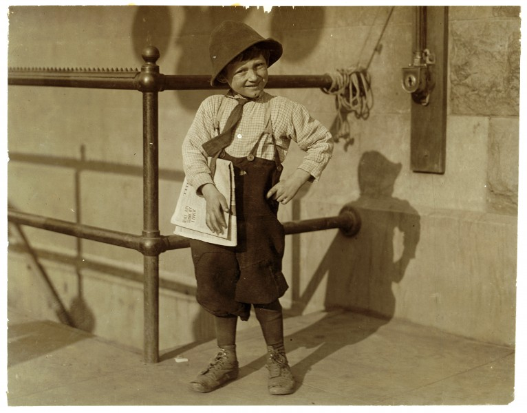 Lewis Hine, Luigi, 6 years old, newsboy-beggar, Sacramento, California, 1915