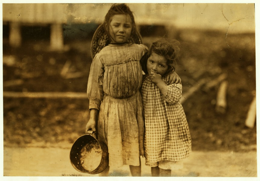 Lewis Hine, Maud and Grade Daly, 5 and 3 years old, shrimp pickers, Bay St. Louis, Mississippi, 1911