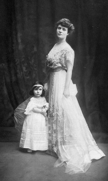 Louise Chéruit and her daughter