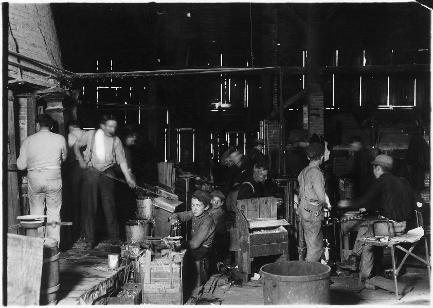 Scene in Woodbury Bottle Works. They work nights. Woodbury, N.J. - NARA - 523243