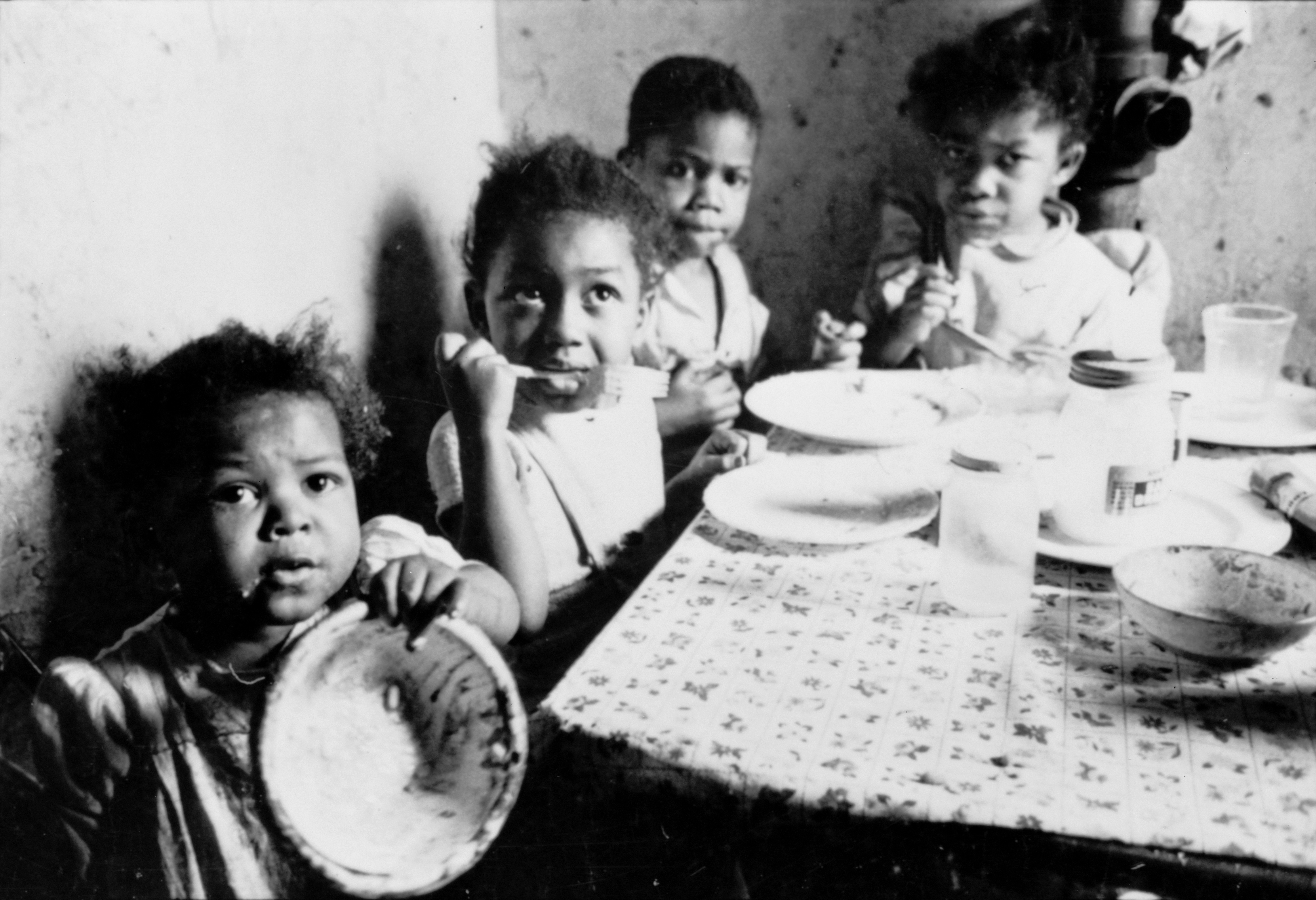 Stanley Kubrick - African American children at table cph.3d02356