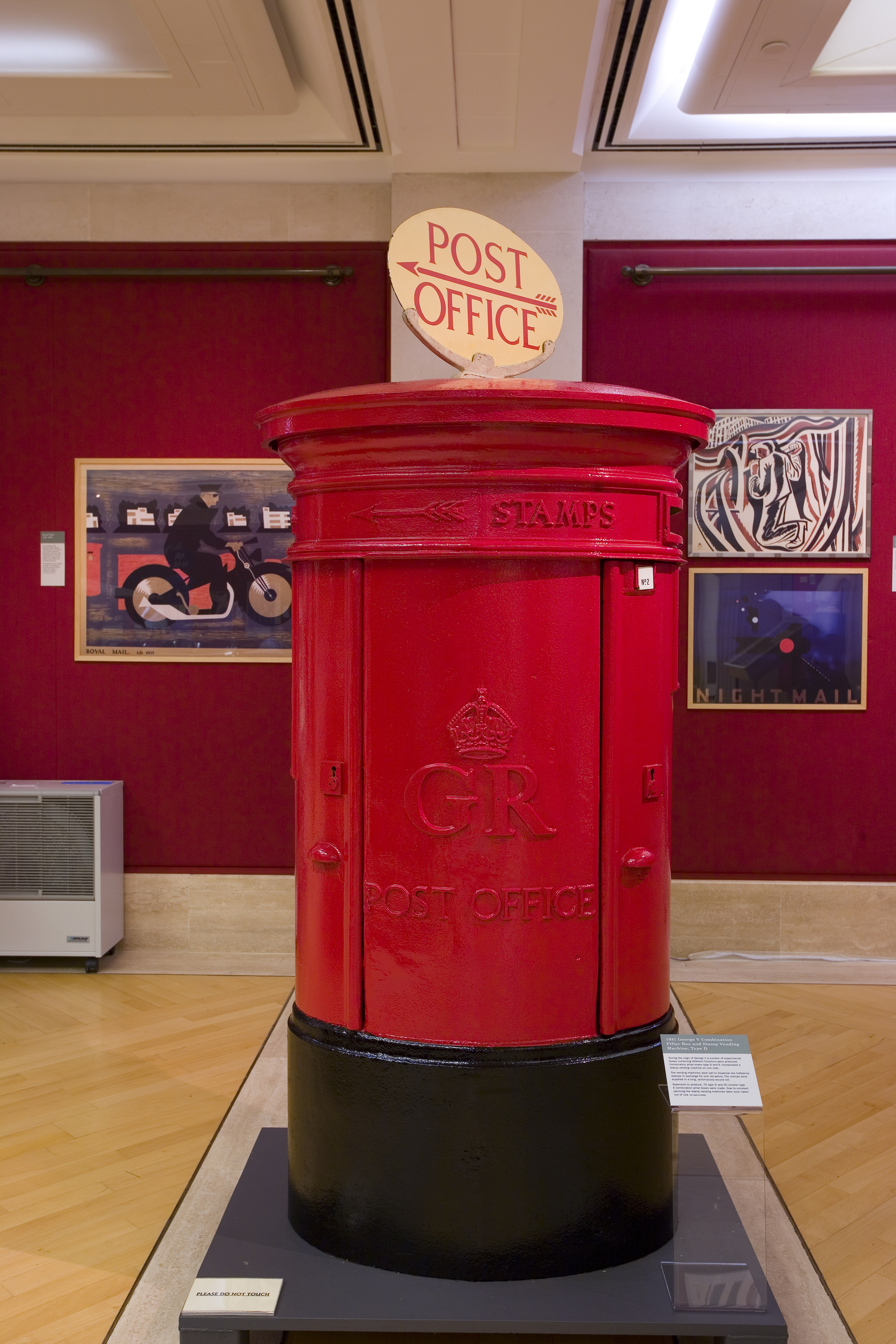 1931 George V Combination Pillar Box and Stamp Vending Machine, Type D
