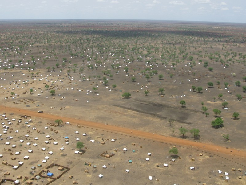 The scale of the problem Jamam refugee camp from the air (6972523516)