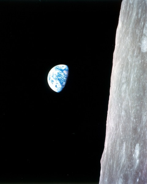 Earthrise - Apollo 8 - GPN-2001-000009