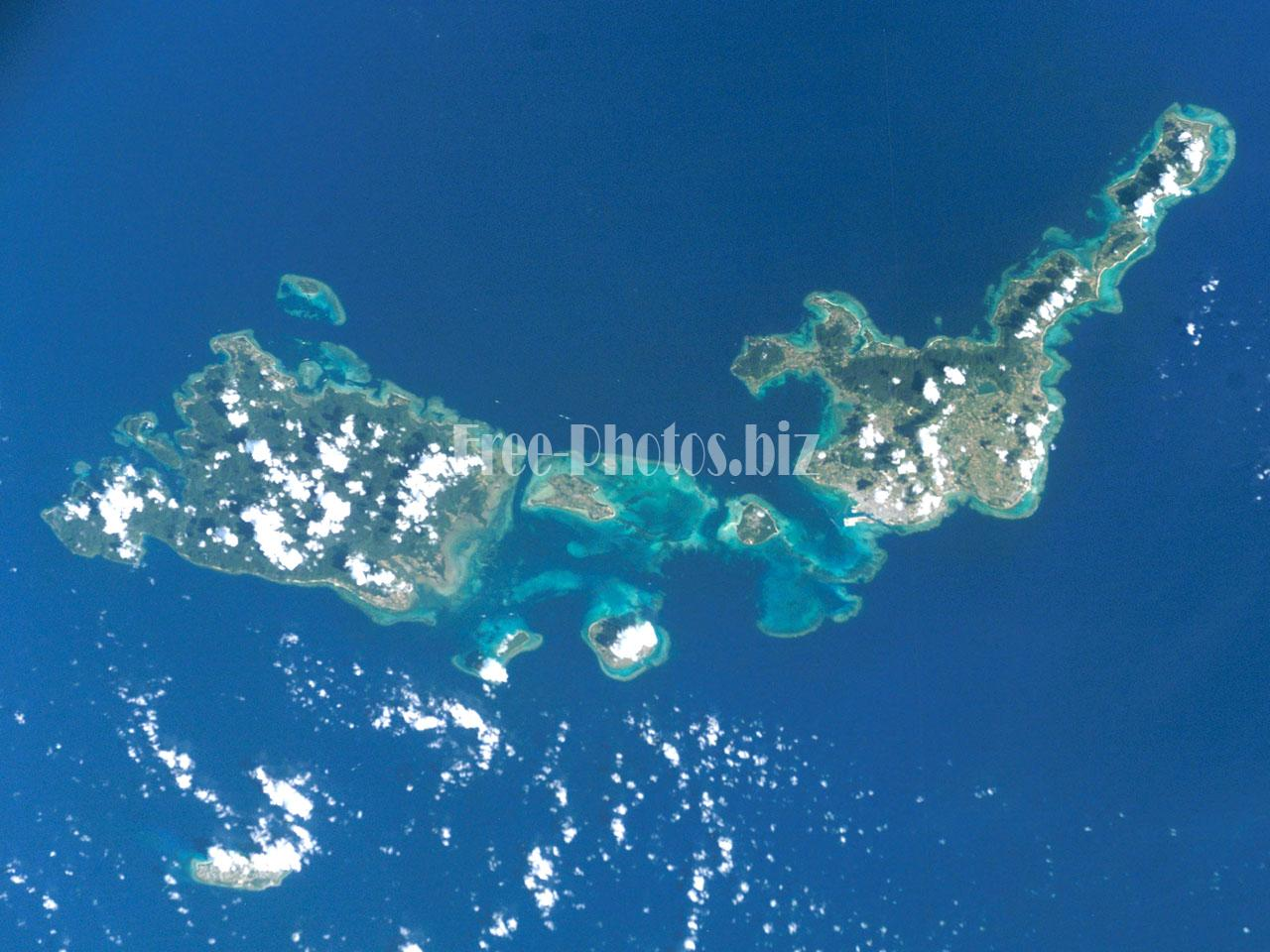 ISS005-E-10686 Yeyama Islands
