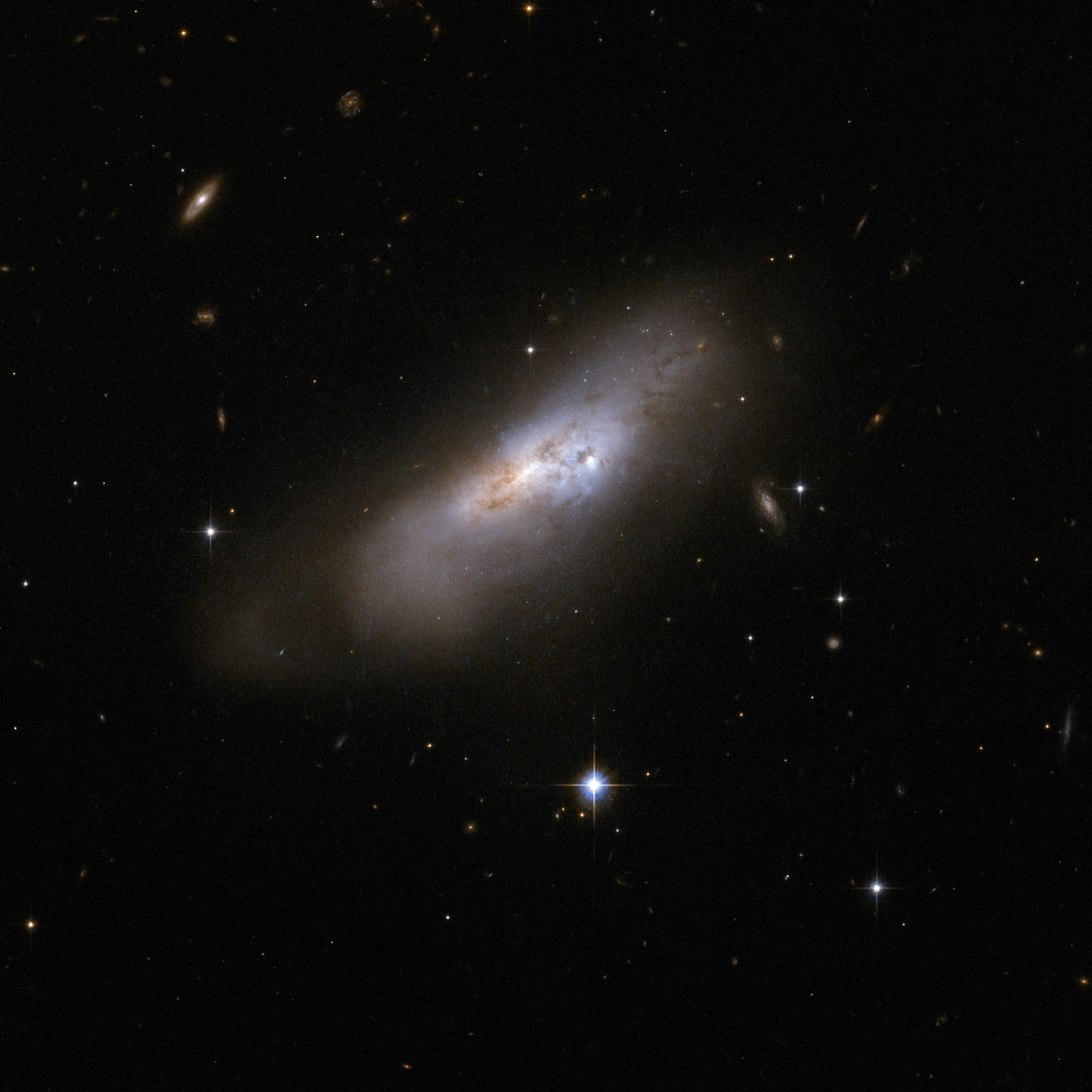 Hubble Interacting Galaxy ESO 507-70 (2008-04-24)