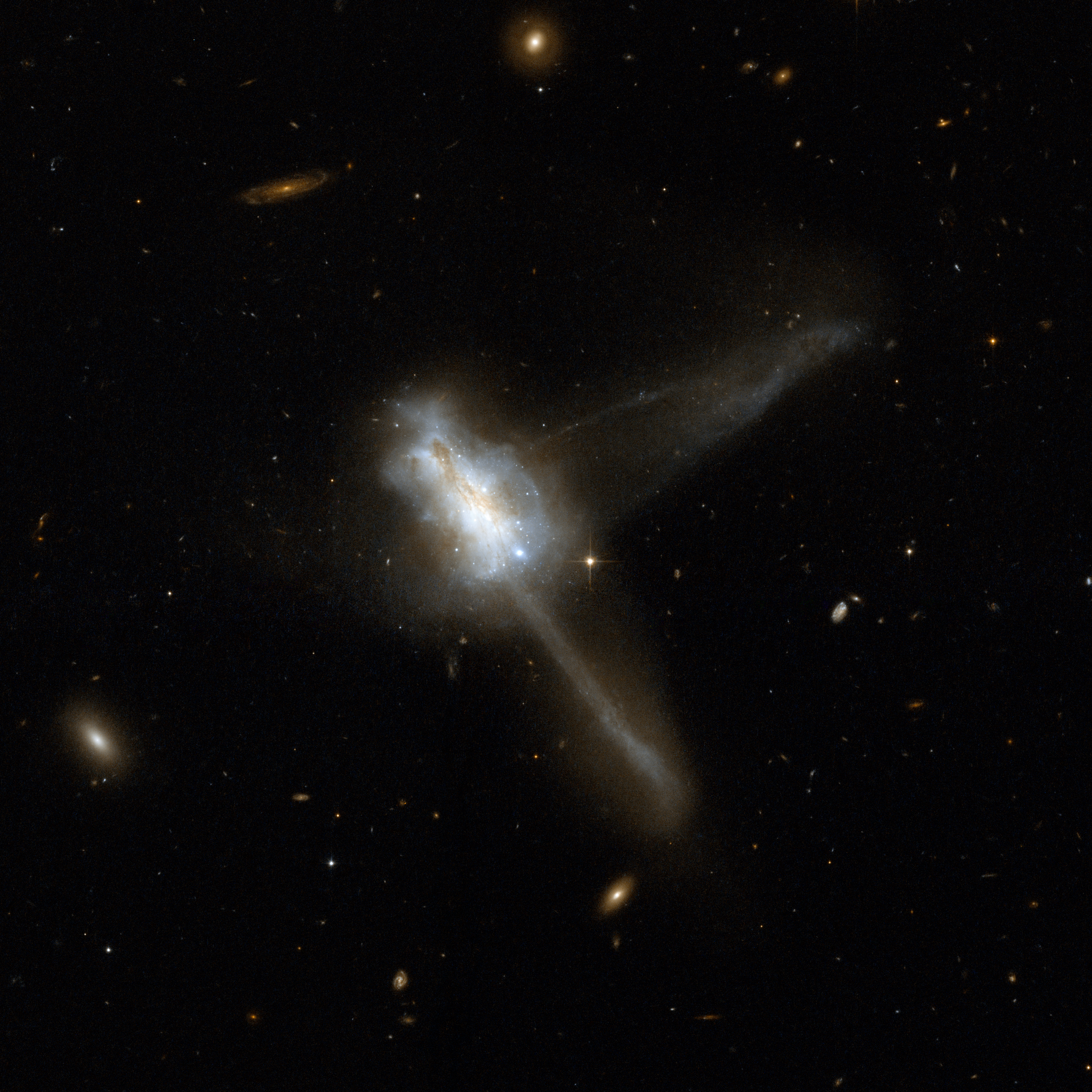 Hubble Interacting Galaxy IC 883 (2008-04-24)