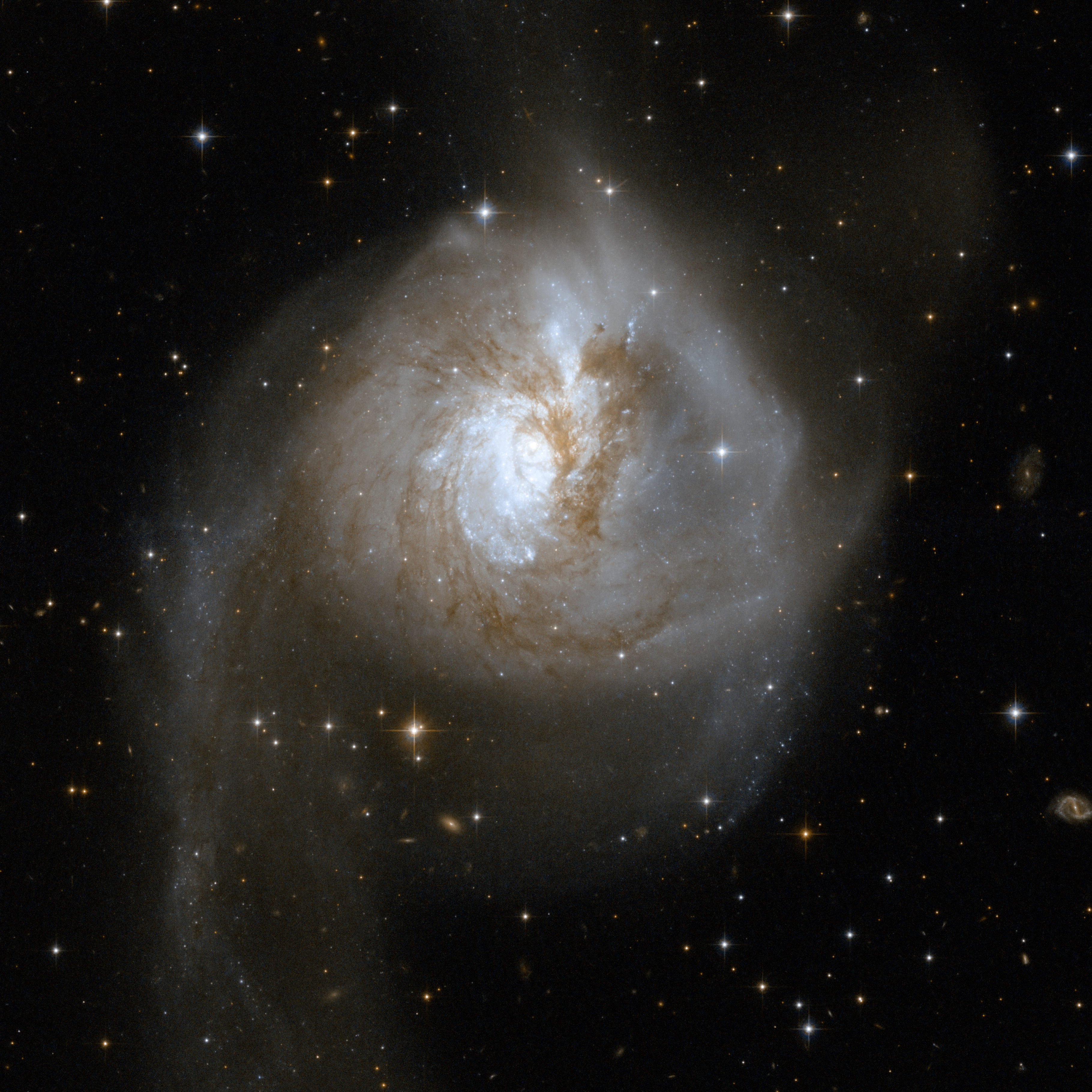 Hubble Interacting Galaxy NGC 3256 (2008-04-24)